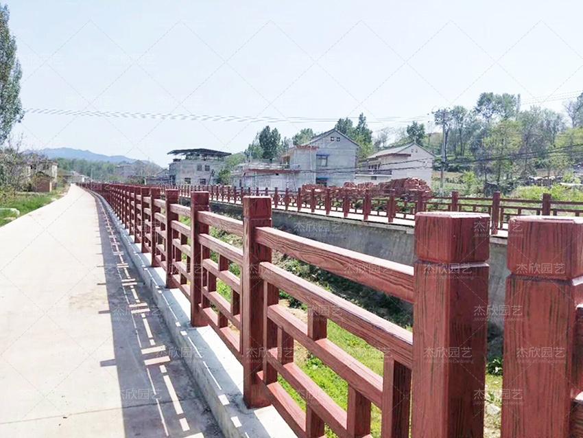 河道护栏选什么材质好?